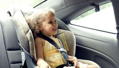 Jak zadbać o bezpieczeństwo dziecka w samochodzie?