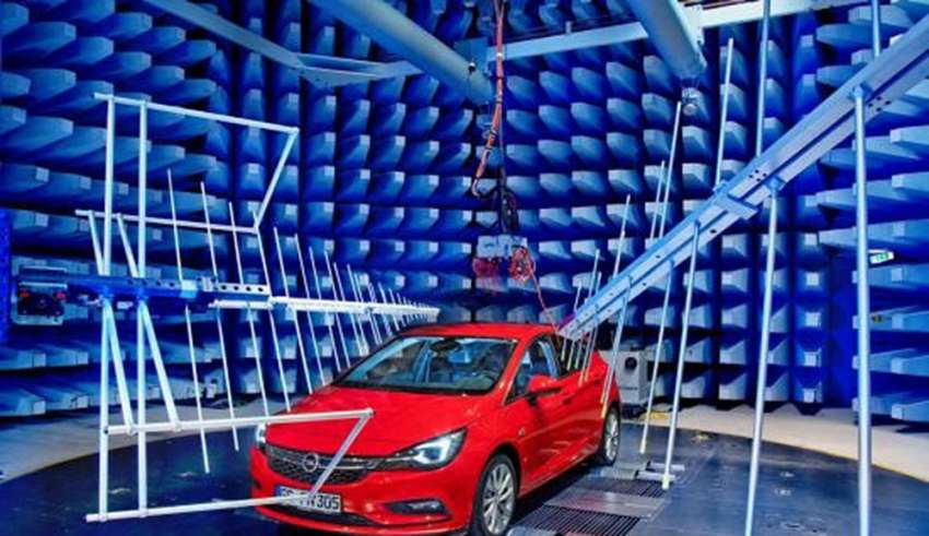 Elektronicznie sprawny: nowy Opel Astra uzyskał doskonałe wyniki w Centrum EMC