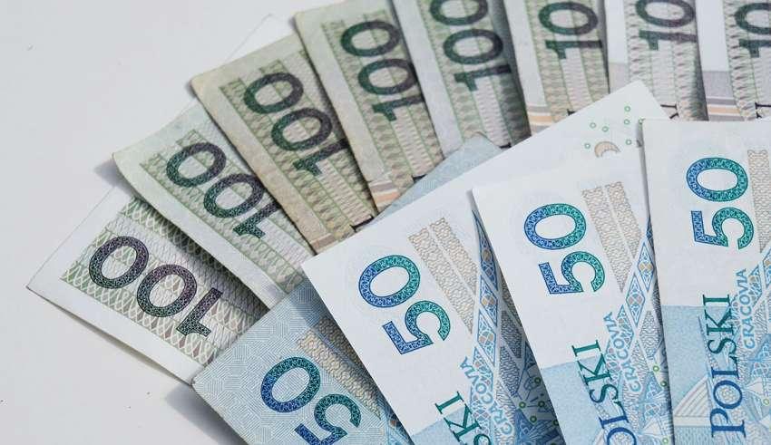 Pożyczka chwilówka a opłaty z nią związane
