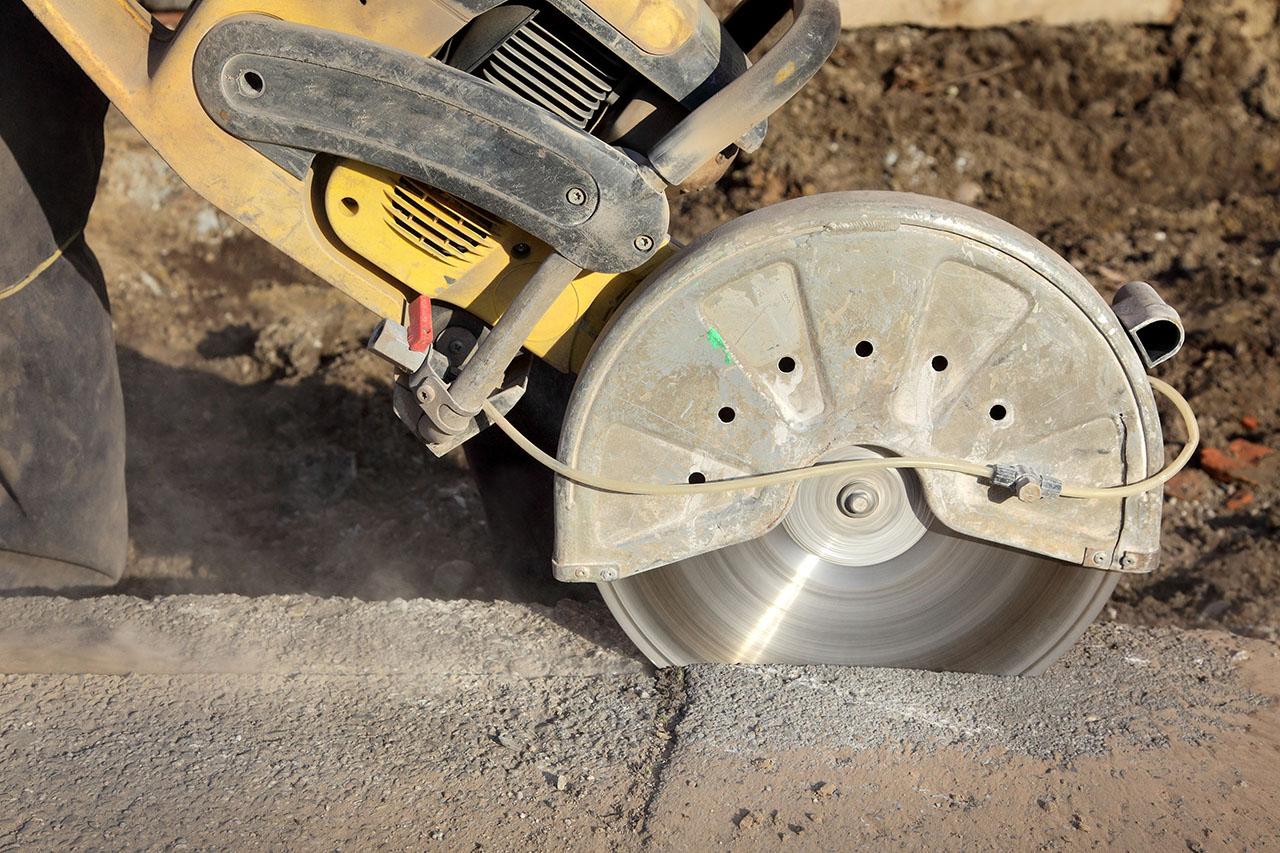 Cięcie w betonie – kiedy się je wykonuje i jaka metoda jest najlepsza?